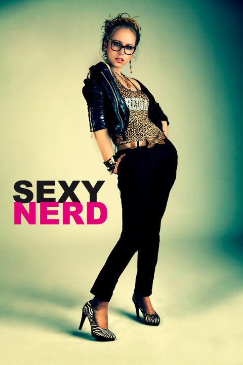 Sexy Nerd Fashion FRANNS Cult