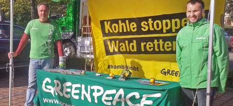 Greenpeace-Banner geht in Hambacher Forst